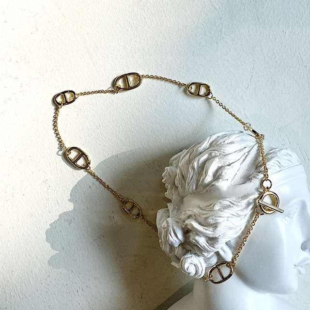 metal gold necklace