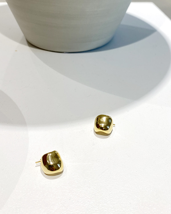 mini gold earring